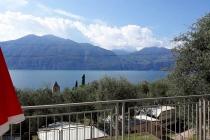mobilheim-camping-gardasee-castelletto-lemaior-terrazza-19