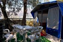 camping-gardasee-kite-wohnwagen-mit-markise-bellini-04-2