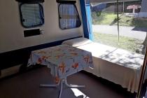 camping-gardasee-kite-wohnwagen-mit-markise-pizzini-04