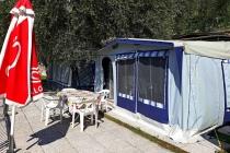 camping-gardasee-kite-wohnwagen-mit-markise-terrazza-01-1