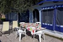 camping-gardasee-kite-wohnwagen-mit-markise-terrazza-02-1