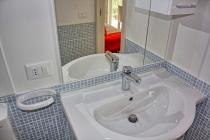 mobilheim-gardasee-5-personen-bad-dusche-05