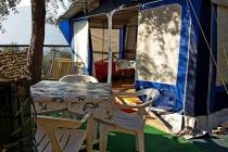 roulotte-arredata-in-affitto-campeggio-lago-di-garda-le-maior-caravan-bellini-02