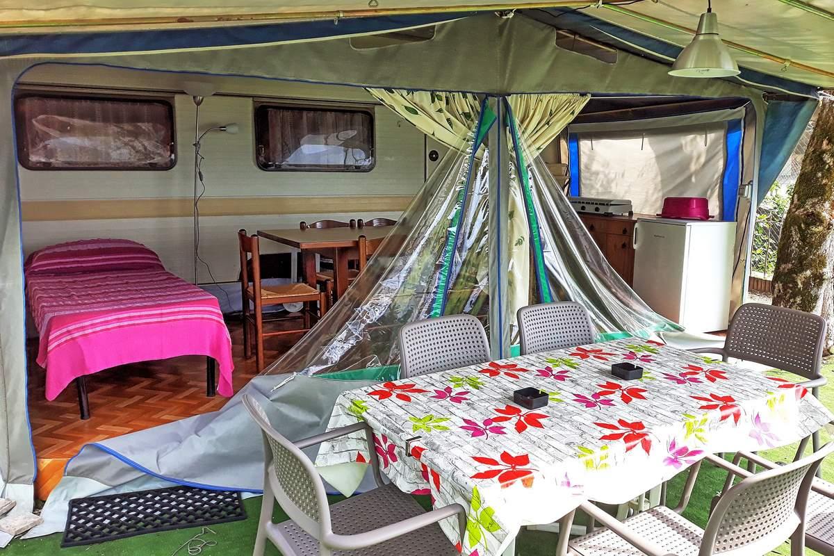 Rental Caravan Gatti with veranda and lake view