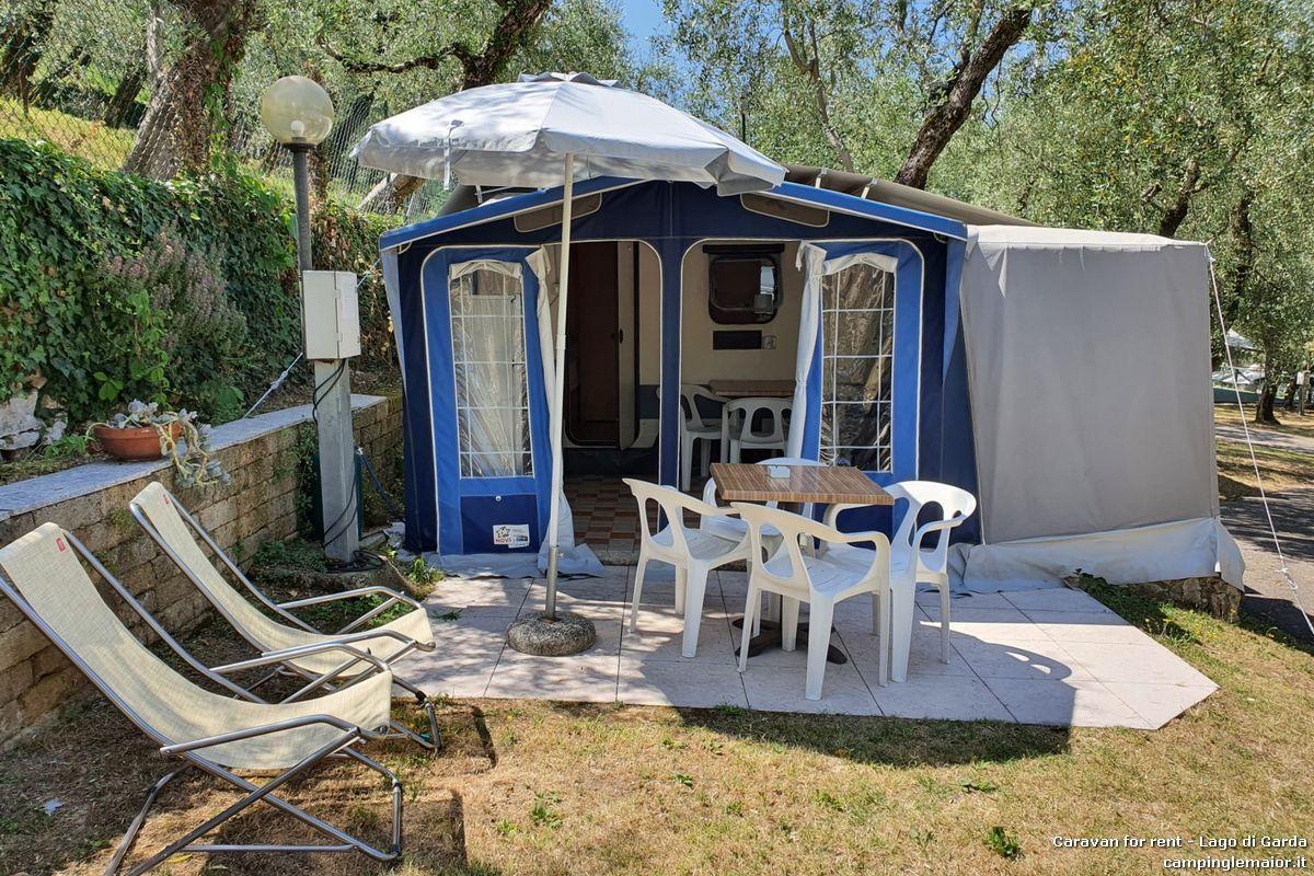 Roulotte Garconniere, per 2 a 4 persone, con veranda chiusa e angolo cottura